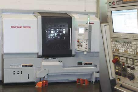 > <strong>NLX2500SY</strong> Centro de torneado de alta precisión DOBLE CABEZAL